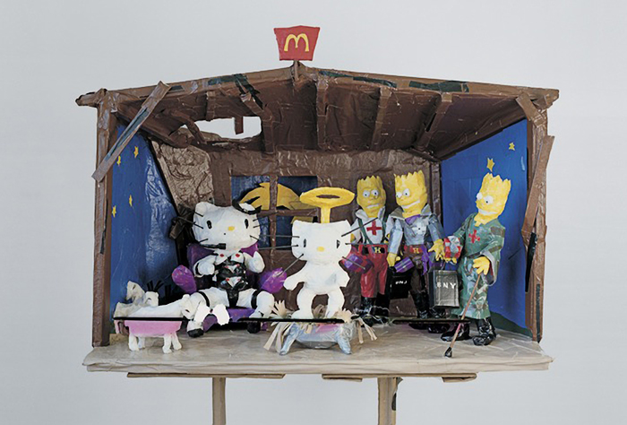 "Tom Sachs, ""Hello Kitty Nativity"", 1994, cinta adhesiva y pintura."