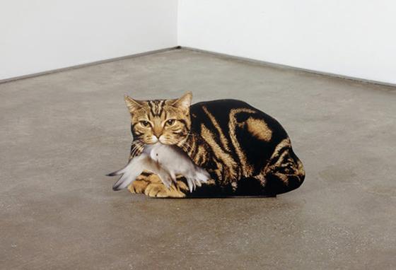 """Robert Heinecken, """"Cat/Bird"""", 1991, impresión sobre cartón pluma."""